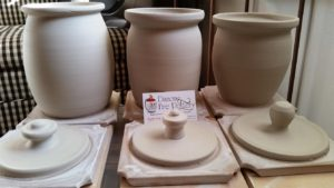 lidded-urns